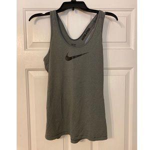 Nike Pro workout tank